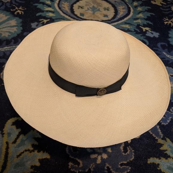 ba46d64592218 Handmade in Ecuador Accessories - Auth Signed Ecuador Panama Montecristi  Straw Hat